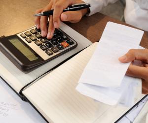 Carro e finanças: como se organizar na hora de pagar o IPVA